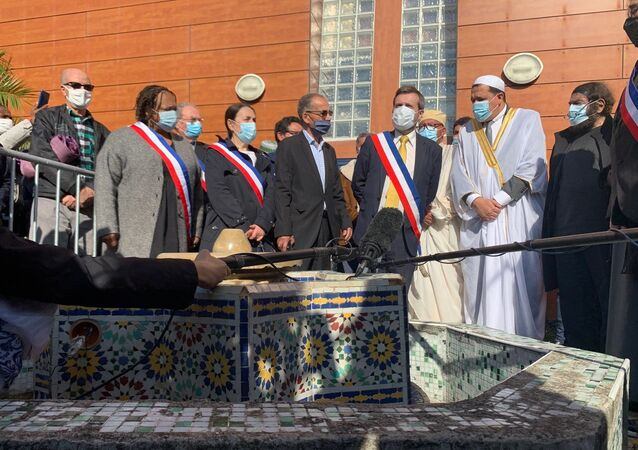 L'imam de Drancy présidant une prière en hommage à Samuel Paty, 23 octobre 2020