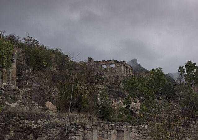 Les maisons détruites pendant le conflit armé de 1991 au Haut-Karabakh (archive photo)
