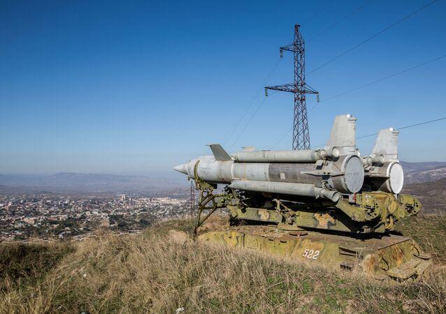 Un système sol-air Kroug installé à Stepanakert, capitale du Haut-Karabakh