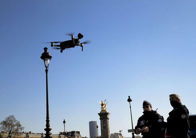Drone à Paris, mars 2020