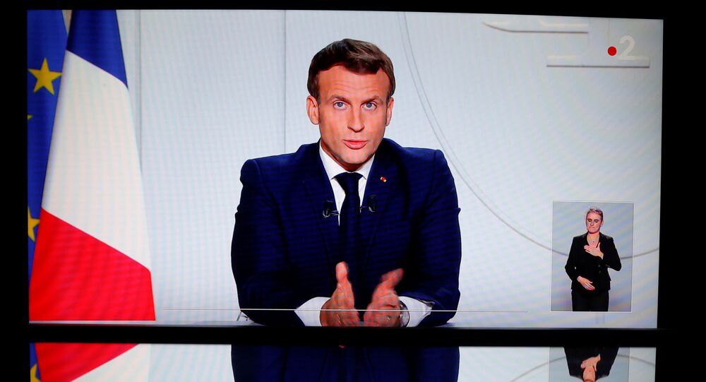 Emmanuel Macron annonce la réintroduction du confinement en France métropolitaine. le 28 octobre 2020