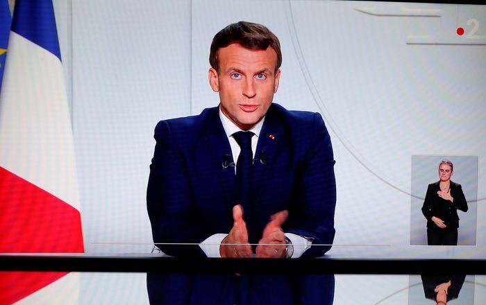 Emmanuel Macron annonce la réintroduction du confinement en France métropolitaine. le 28 octobre 2020