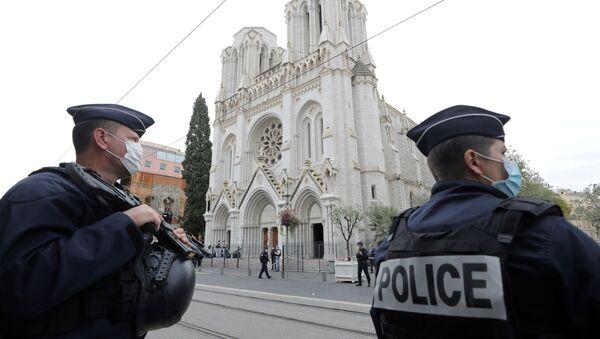 Une attaque au couteau à Notre-Dame de l'Assomption à Nice - Sputnik France