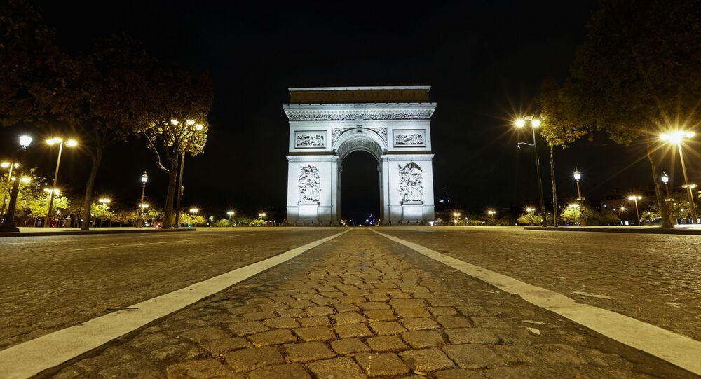 Les Champs-Élysées en période de Covid-19