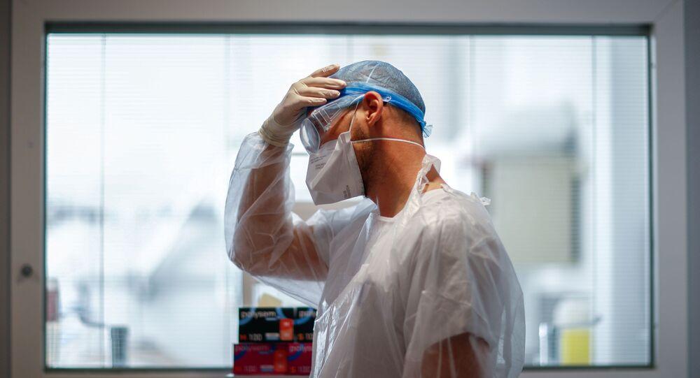 Un soignant dans un hôpital français