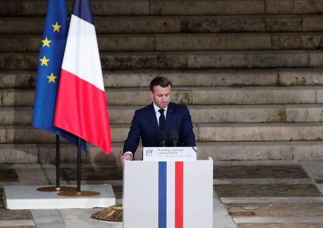 Emmanuel Macron tient un discours d'hommage à Samuel Paty, le 21 octobre 2020