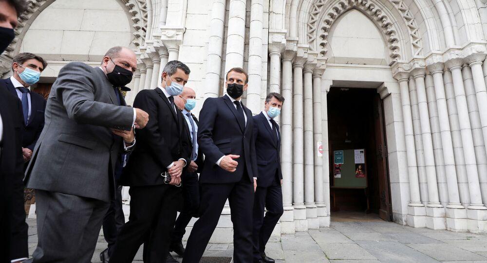 Emmanuel Macron et le maire de Nice Christian Estrosi après l'attaque dans la basilique Notre-Dame de Nice, le 29 octobre