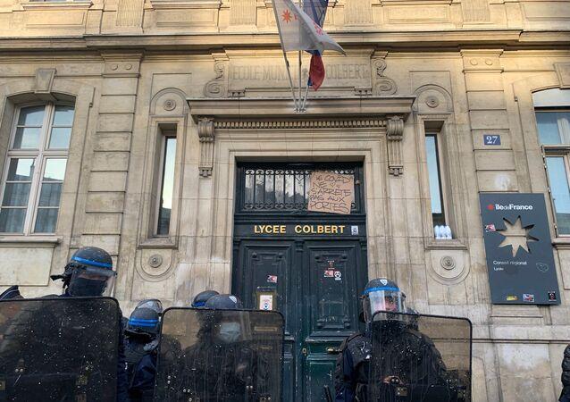 Situation devant le lycée Colbert à Paris, le 3 novembre 2020