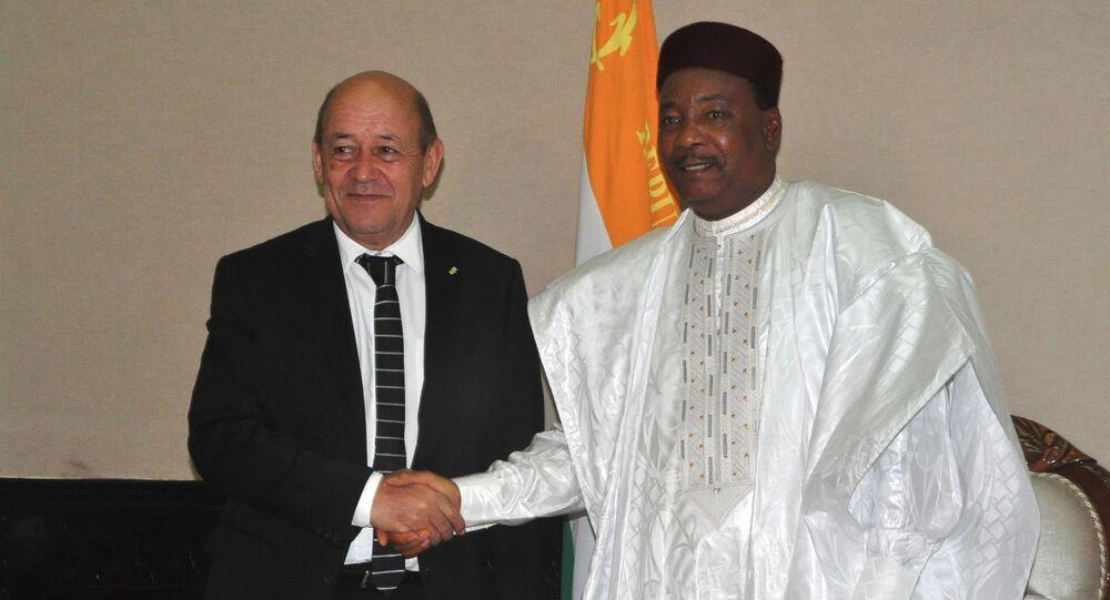Jean-Yves Le Drian et Mahamadou Issoufou