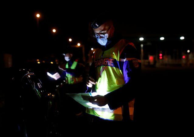 Des gendarmes / image d'illustration