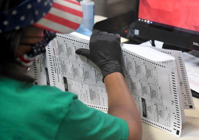 Comptage des votes dans le comté de Clark