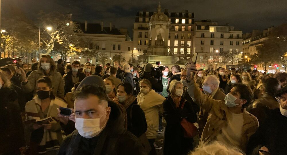 «Nous voulons la messe à Paris»: une messe à ciel ouvert se tient sur le parvis de l'église Saint-Sulpice