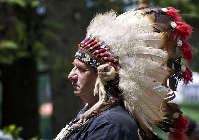 Chef de tribu abénaqui d'Odanak, Canada (image d'illustration)