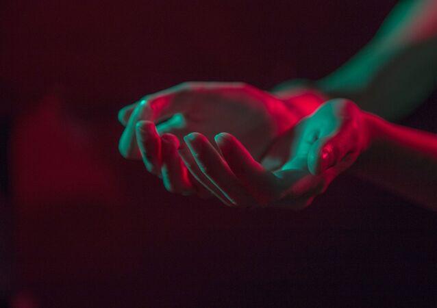 Des mains (image d'illustration)