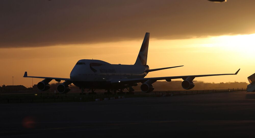 Boeing 747-400 jumbo jet