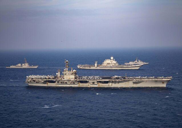 Exercices militaires en 2020 dans le cadre du Quad (Quadrilateral security Dialogue) des marines américaine, japonaise, australienne et indienne. (Indian Navy via AP)