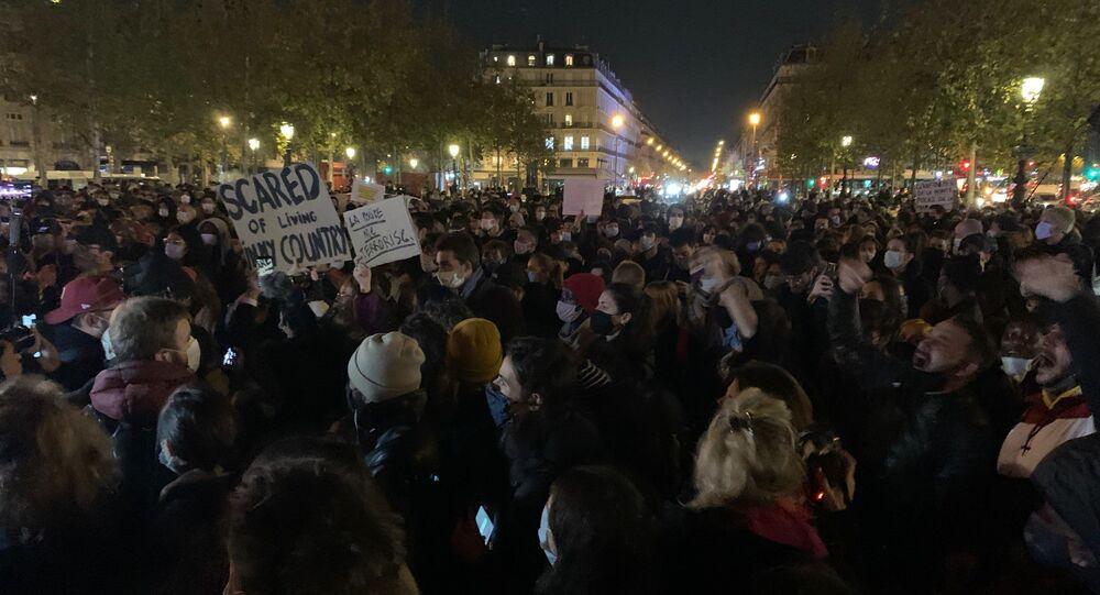 Manifestation de soutien au migrants à Paris, 24 novembre 2020