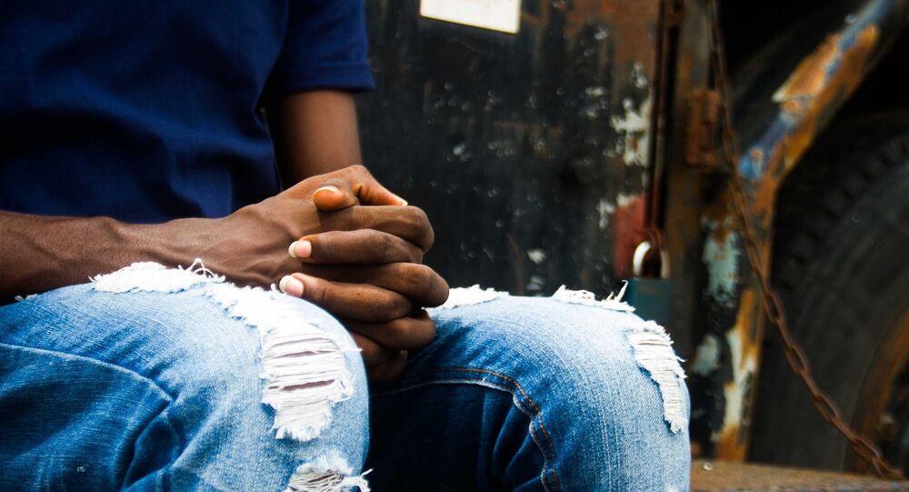 Les mains d'un Africain (image d'illustration)