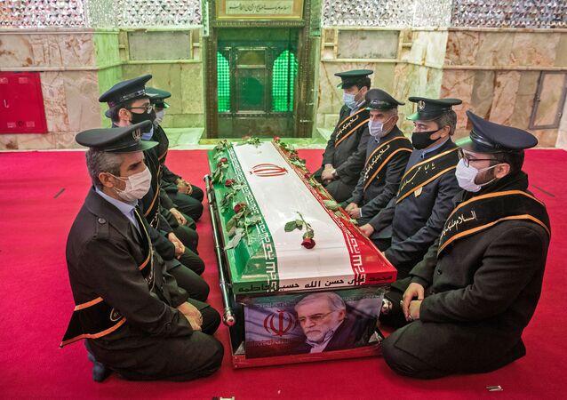 Les funérailles du scientifique nucléaire iranien Mohsen Fakhrizadeh