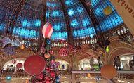 Les Grands Magasins à Paris, la veille du Noël