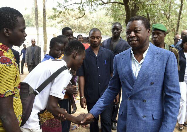 Le président togolais Faure Gnassingbé arrive au bureau de vote