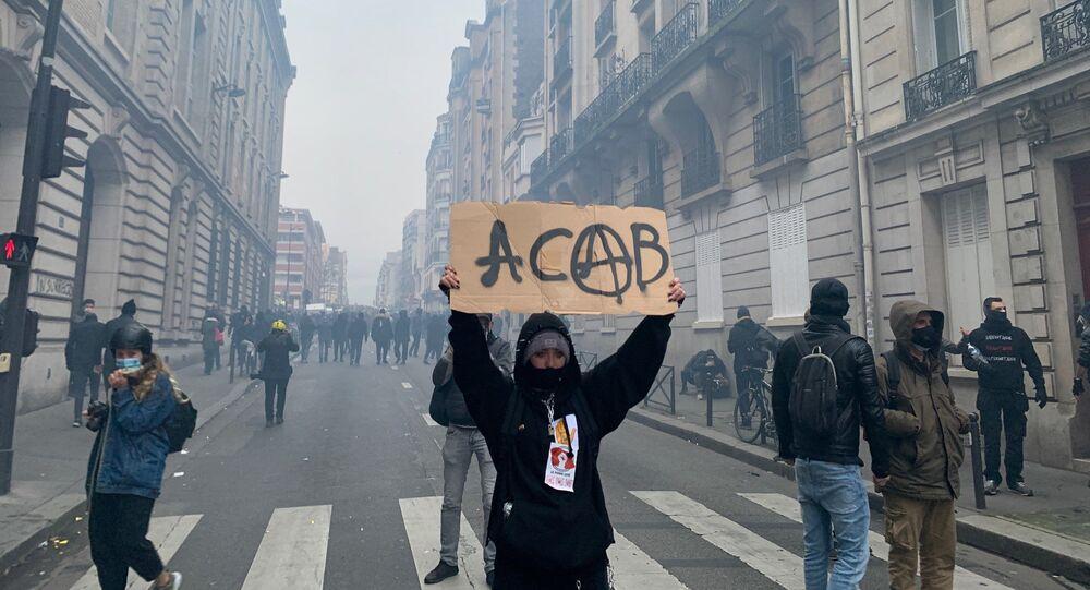 Manifestation contre la loi Sécurité Globale à Paris, 5 décembre 2020: tensions