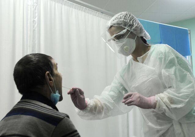Test de dépistage de Covid-19 dans une clinique russe (archive photo)