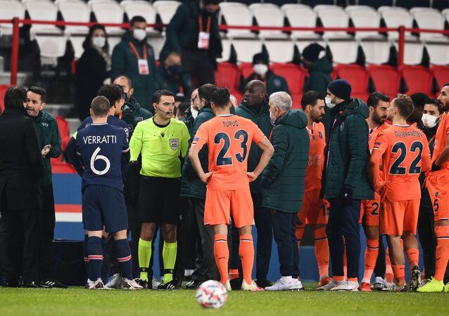 scandale de racisme lors du match PSG-Basaksehir