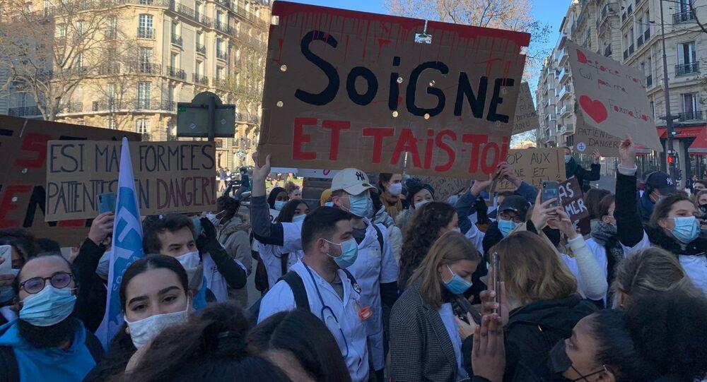 Manifestation des Étudiants en Soins Infirmiers