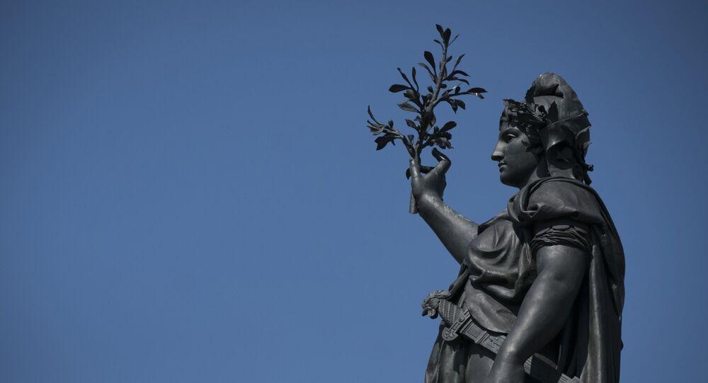 Statue symbolisant la République française ou Marianne, située à la place de la République à Paris