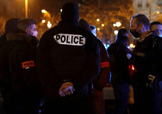 Un rassemblement de policiers place de l'Etoile à Paris, le 14 décembre 2020