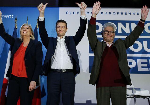 Marine Le Pen, Jordan Bardella et l'eurodéputé Hervé Juvin, en février 2019 pendant la campagne des Européennes