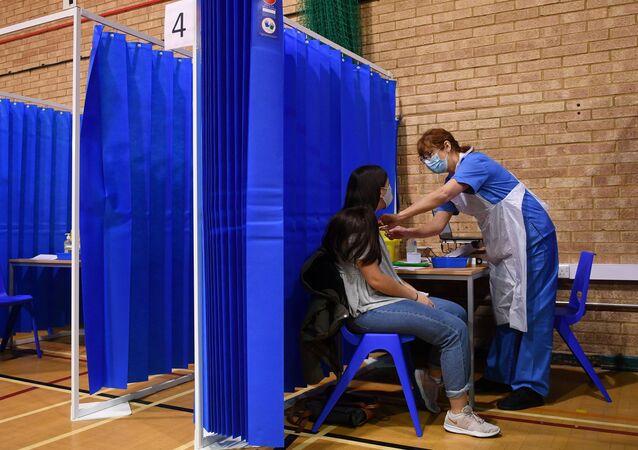 Vaccination par le vaccin de Pfizer en Grande-Bretagne