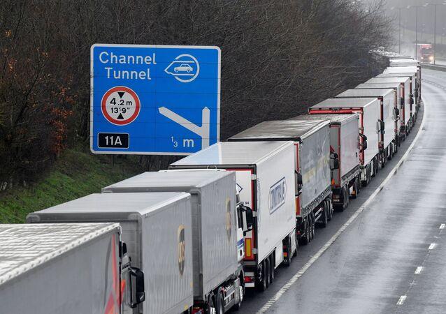 Les camions venant du Royaume-Uni, Douvres, le 21 décembre 2020