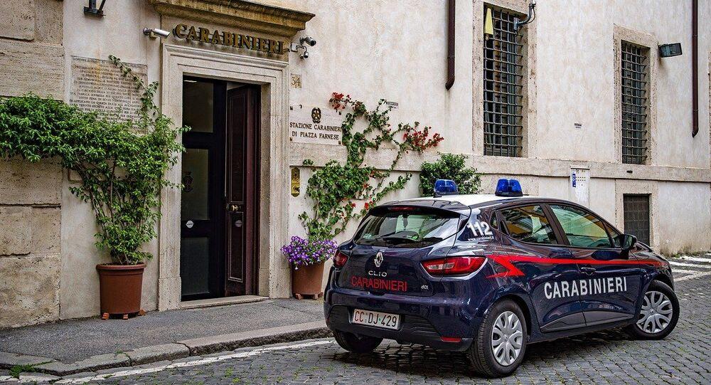Une voiture de carabiniers