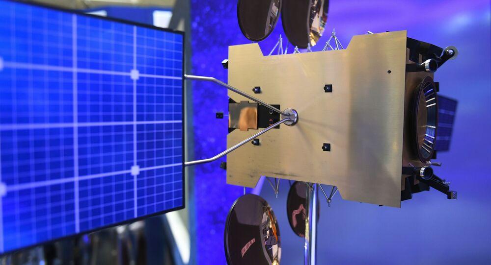 Modèle du satellite géostationnaire Yamal-300K au salon du Bourget (archive photo)