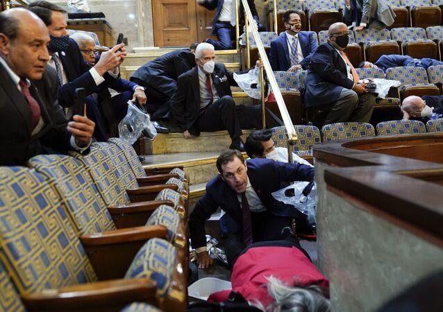 Le Congrès des États-Unis après que des protestataires y ont fait irruption le 6 janvier 2021