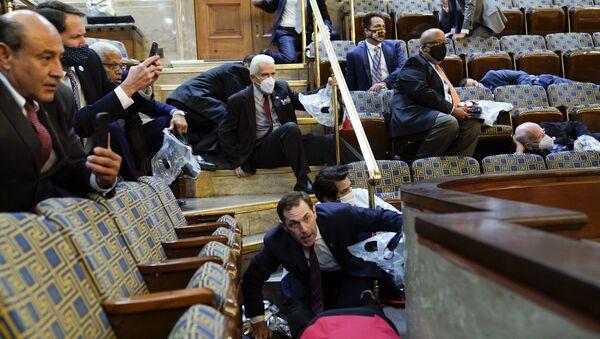Le Congrès des États-Unis après que des protestataires y ont fait irruption le 6 janvier 2021 - Sputnik France