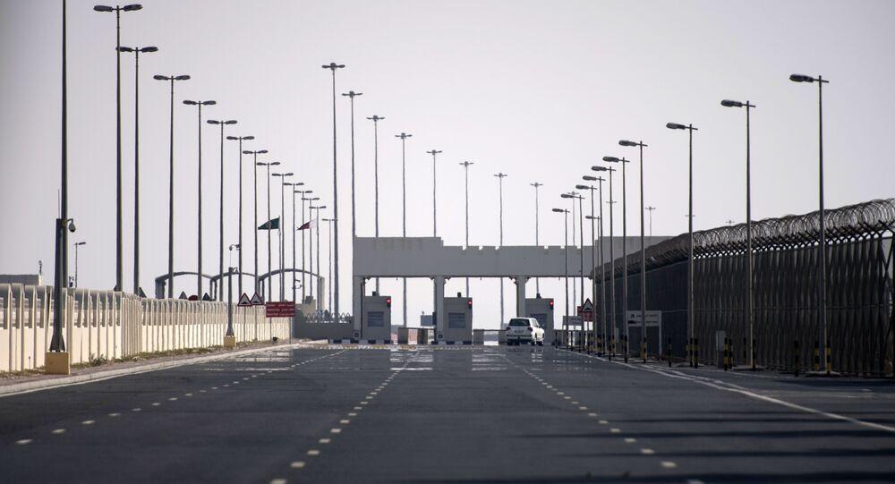 Point de contrôle à la frontière entre le Qatar et l'Arabie Saoudite avant son ouverture