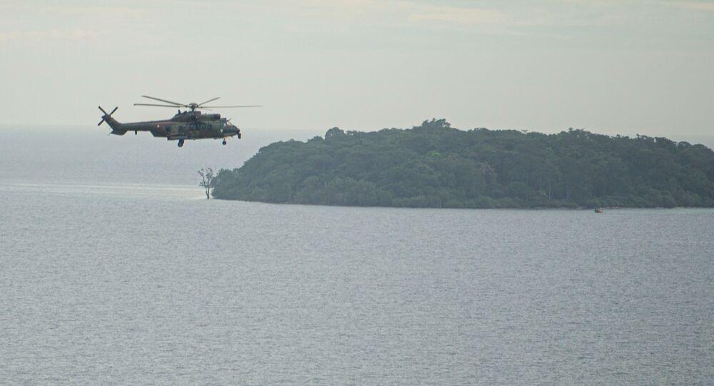 Un hélicoptère impliqué dans les recherches du Boeing 737 de Sriwijaya Air qui s'est écrasé au large de l'Indonésie le 9 janvier