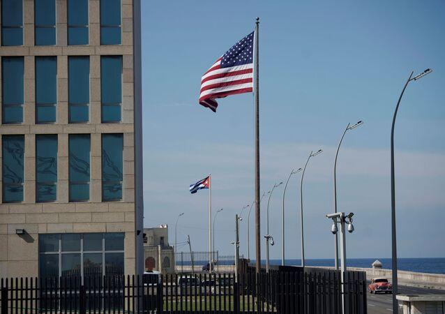 Drapeaux américain et cubain, La Havane
