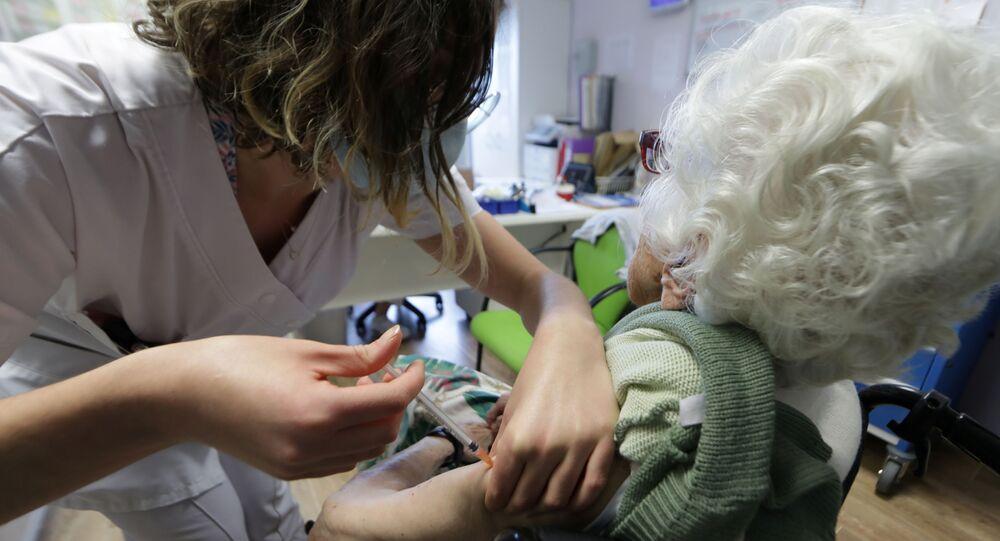 Restrictions, couvre-feu, vaccination... De nouvelles décisions attendues en France ce jeudi