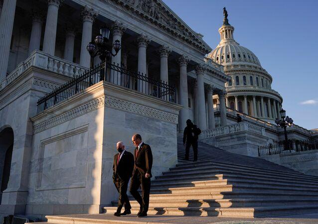 Le Capitole après que l'ouverture d'une procédure de destitution contre Trump a été approuvée par la Chambre des représentants, le 13 janvier