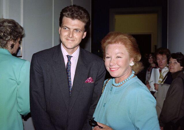 Baron Benjamin de Rothschild et sa mère, Nadine de Rothschild, en 1991