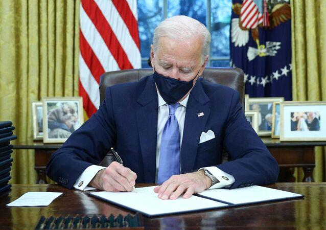 Joe Biden dans le Bureau ovale de la Maison-Blanche