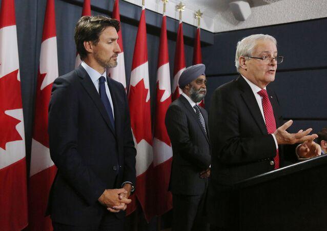 Le Premier ministre canadien Justin Trudeau et son nouveau ministre des Affaires étrangères Marc Garneau.