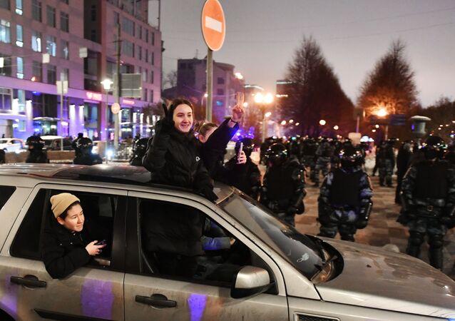 Participants d'une manifestation non autorisée en soutien à Alexeï Navalny, à Moscou
