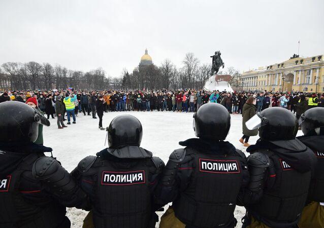 manifestation non autorisée en soutien à Alexeï Navalny à Saint-Pétersbourg, samedi 23 janvier