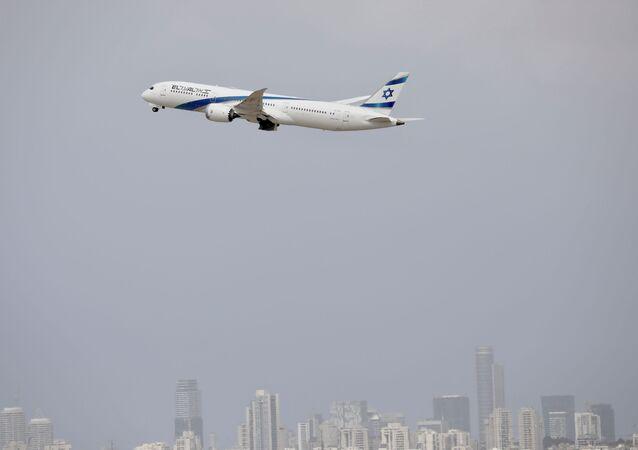 Un avion décolle de l'aéroport Ben Gourion