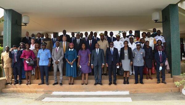 Les officiels et l'ensemble des participants à la cérémonie de lancement du projet Formar, à Abidjan - Sputnik France